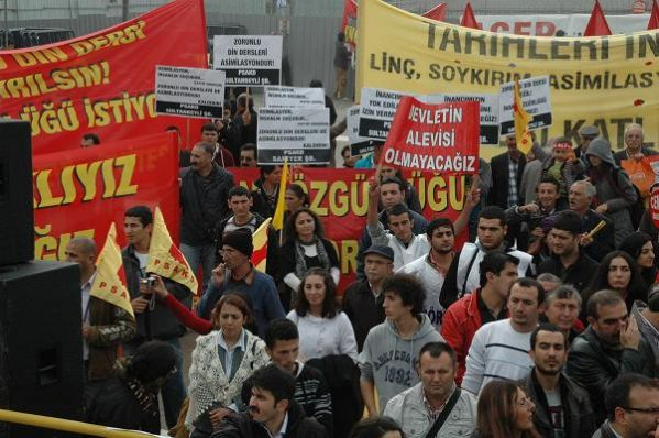 Aleviler Kadıköy'de Yürüdü 4