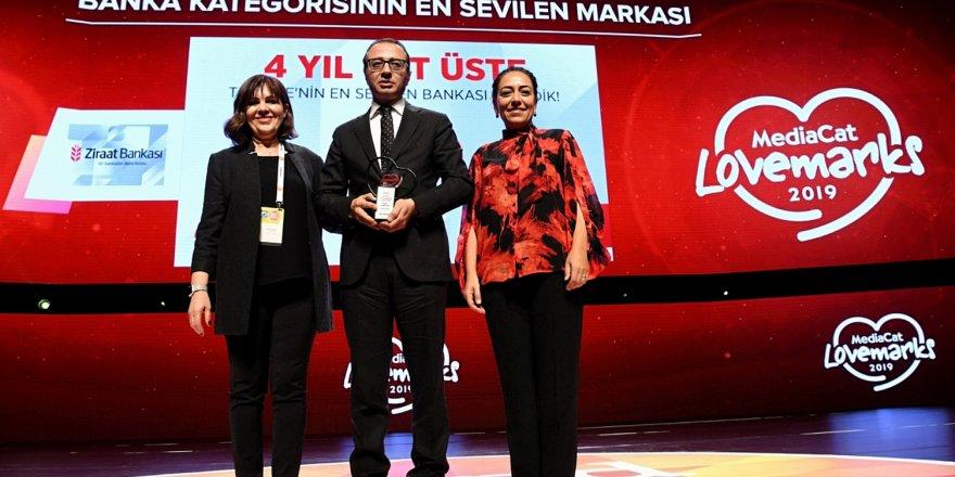 """ZİRAAT BANKASI """"TÜRKİYE'NİN EN SEVİLEN BANKASI"""" SEÇİLDİ"""