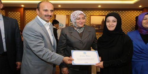 `Bilinçli Anneler` sertifikalarını aldı