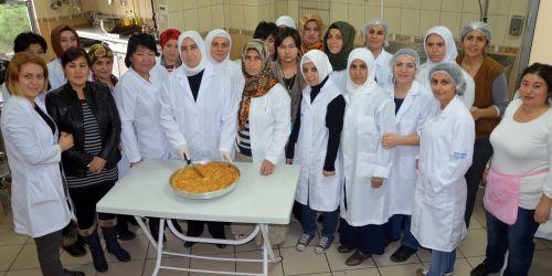 Kazaklar Bağcılar'da aşçılık eğitimi aldı