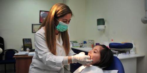 Minik dişler ücretsiz tedavi ediliyor