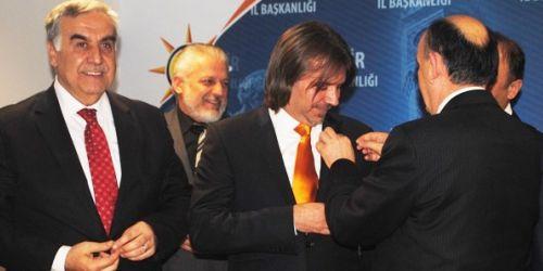 Dededen CHP'liydi şimdi ise AK Partili oldu!