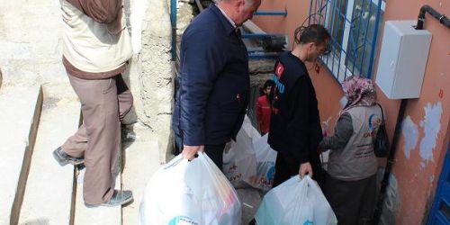 Suriyeli Mültecilere Cansuyu sahip çıktı