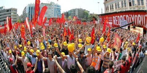Kadıköy'de coşkulu '1Mayıs' mitingi