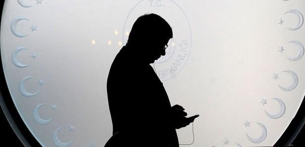 Bakan Davutoğlu'dan telefon diplomasisi