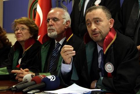 İstanbul Barosu davası 'cumartesi günü'ne ertelendi