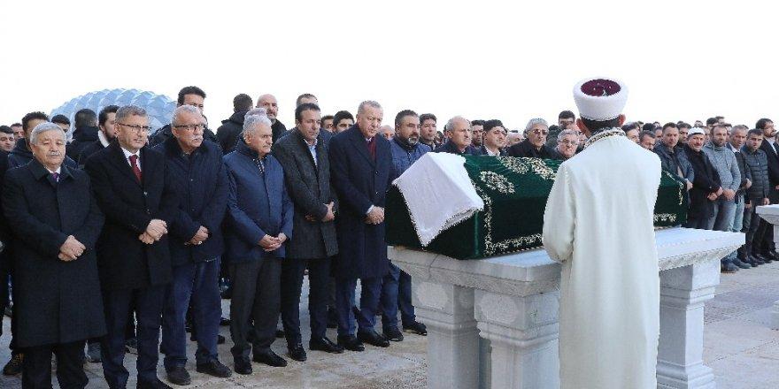 Cumhurbaşkanı Erdoğan, Büyük Çamlıca Camii'nde Bir Vatandaşın Cenazesine Katıldı