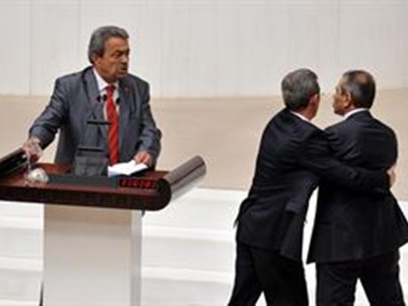 Küfür eden AKP'li vekile ceza yok