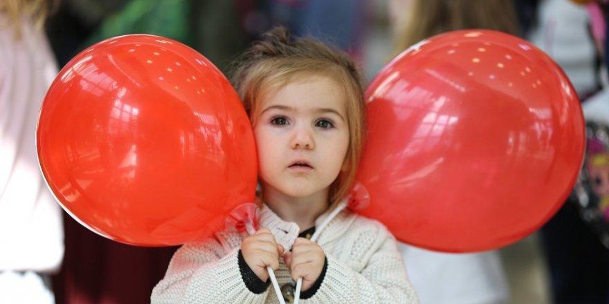 Maltepe'de Çocuk Şenliği Masal İle Şenlendi