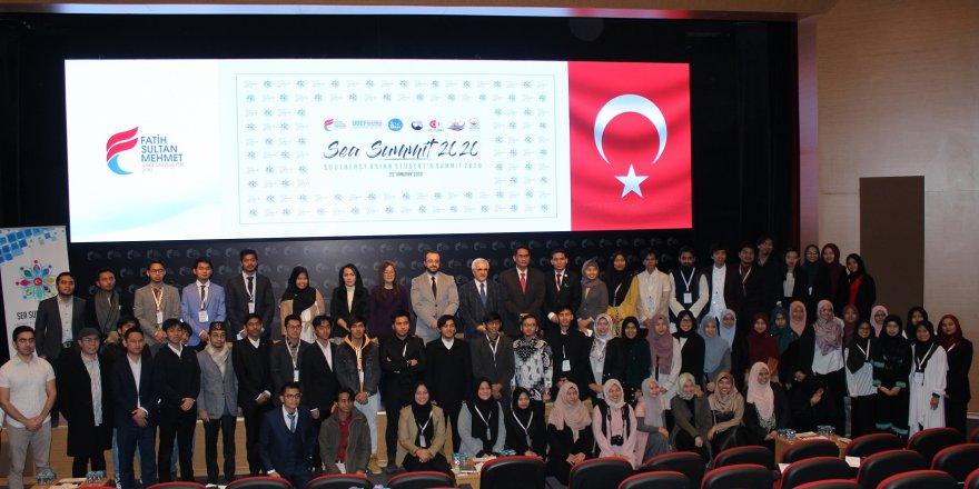GÜNEYDOĞU ASYALI ÖĞRENCİLER ZİRVESİ İSTANBUL'DA YAPILDI
