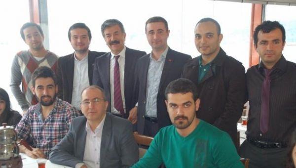 Dr. Cengiz Alp CHP'li gençlerle buluştu