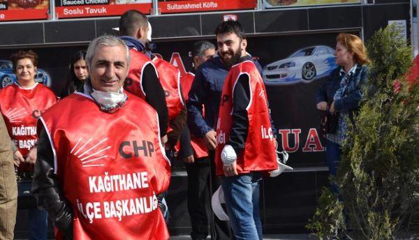 CHP Kağıthane örgütü baret takıp '1 Mayıs'a gitti