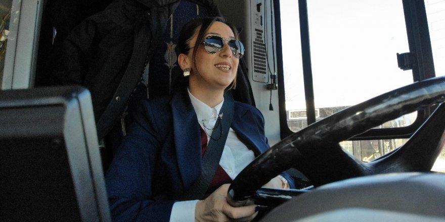 İstanbul'un Şoför Nebahatlari İş Başında