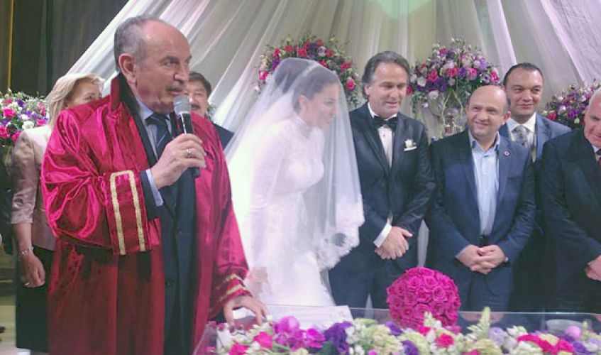 AK Parti İstanbul Milletvekili Dr. İsmail Safi evlendi