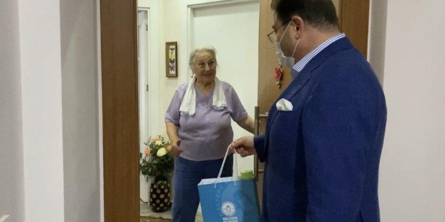 Belediye Başkanı Ali Kılıç Kapı Kapı Dolaşıp Yaşlıların İhtiyaçlarını Sordu