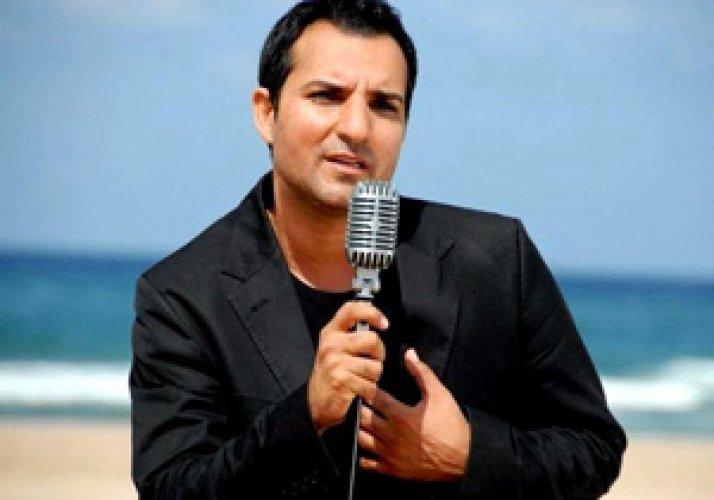 Şarkıcı Rafet El Roman soyadını değiştirdi