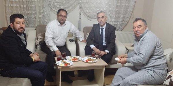 Başkan Kılıç, Gazeteci Hüseyin Demir'i evinde ziyaret etti