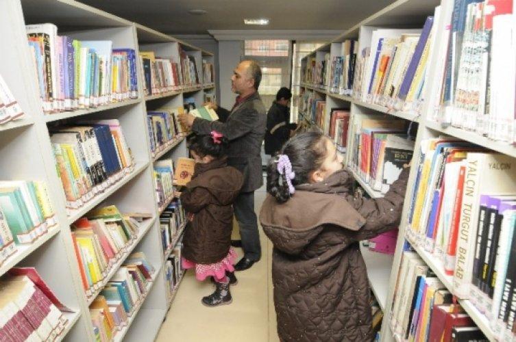 Halk Kütüphanesi Her Gün Binlerce Ziyaretçiyi Ağırlıyor