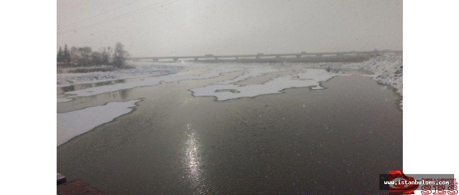 Büyükçekmece Gölü Buz Tuttu