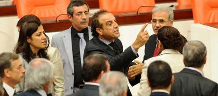 Meclis'te Küfürlü 'Kafatasçı' Kavgası