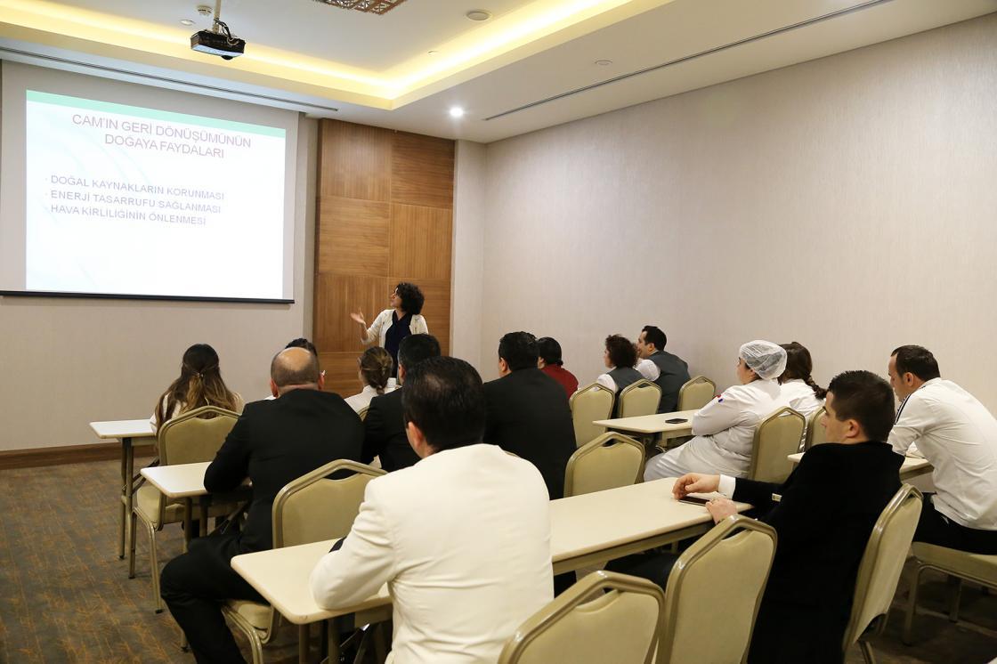 """Ataşehir'de otellerde """"Cam Dostu"""" eğitimleri veriliyor"""