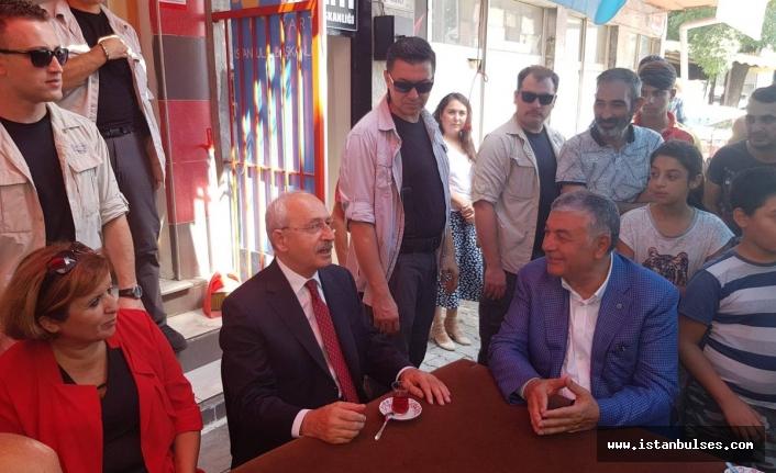 Kılıçdaroğlu Sarıyer'de Şükrü Genç'in yanında