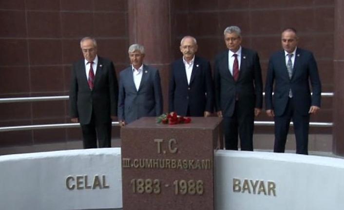 Kılıçdaroğlu Celal Bayar'ın mezarın'da