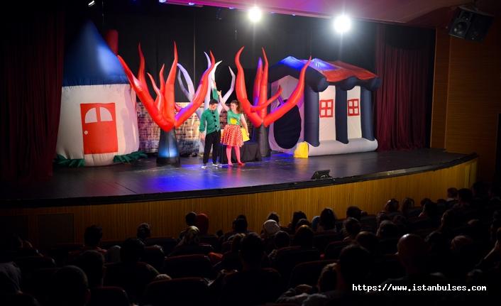 Maltepe'de önyargılı olmanın zararlarını tiyatroyla öğrendiler