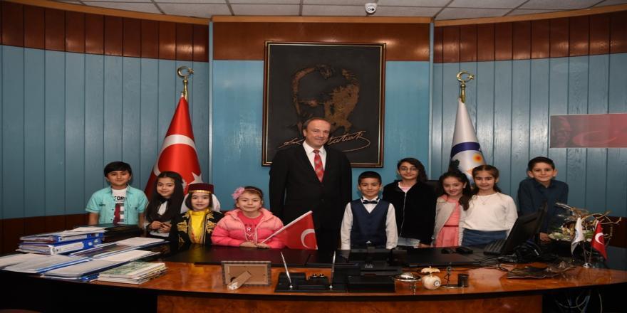 23 Nisan'da Temsili Başkandan İlk Talimat