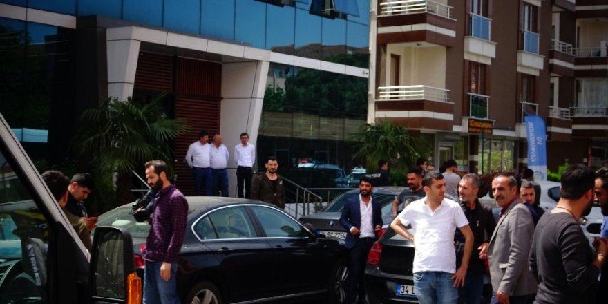 Sancaktepe'de iş yerinde silahlı kavga: 2 yaralı