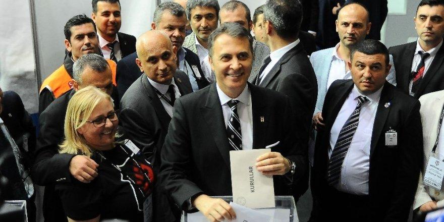 Fikret Orman 2882 oyla yeniden başkan seçildi