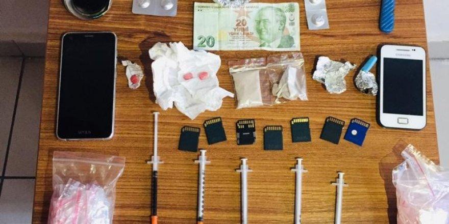 Şüphe Üzerinde Durdurulan Araçtan Uyuşturucu Çıktı