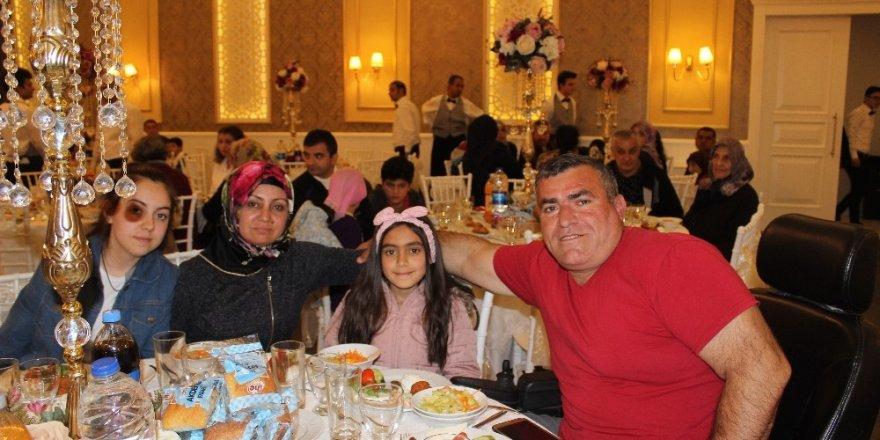 Engelli vatandaşlar ve aileleri Başakşehir'de iftarda buluştu