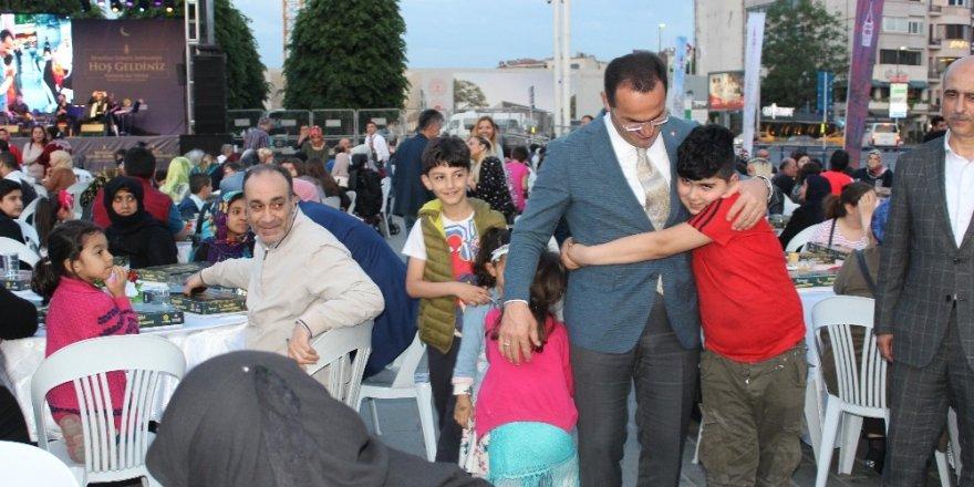 Beyoğlu'nda engelli vatandaşlar iftarda bir araya geldi