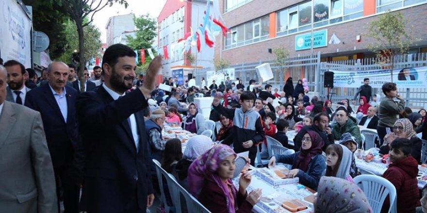 Kağıthane'de düzenlenen sokak iftarlarına yoğun ilgi