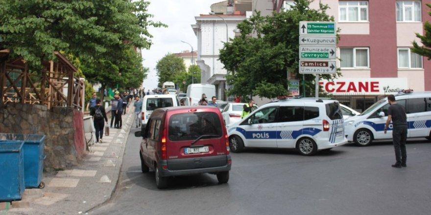 Okul çıkışı bıçaklı kavgada 3 öğrenci yaralandı