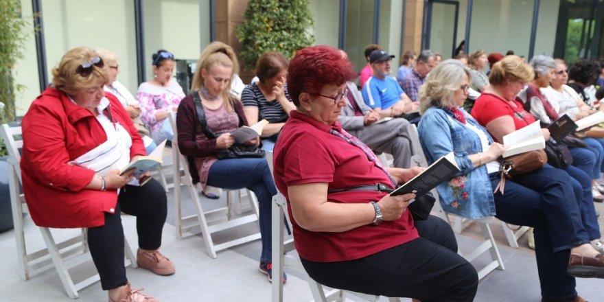 Büyükçekmeceliler hem kitap okudu hem de müzik dinledi