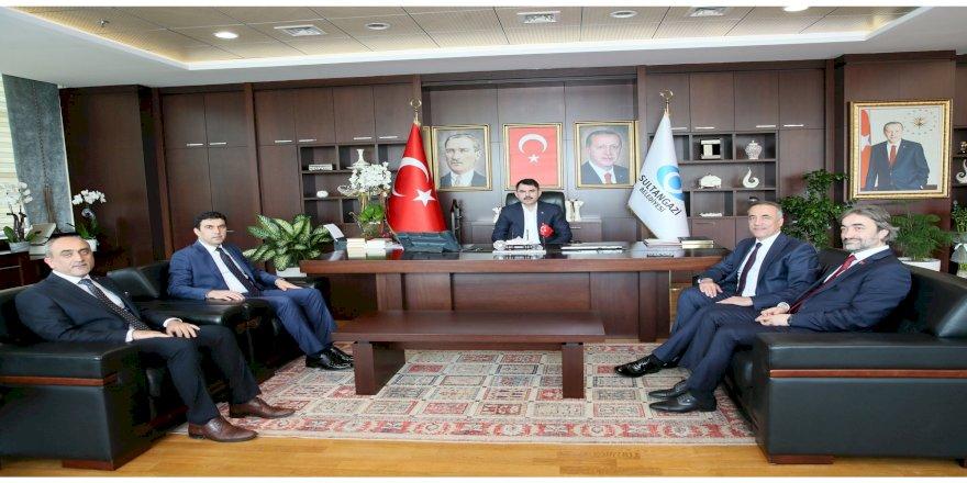 Bakan Kurum Sultangazi Belediyesi'ni Ziyaret Etti
