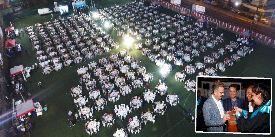 3 Bin 500 Lise Öğrencisi Mezuniyet İftarında Bir Araya Geldi