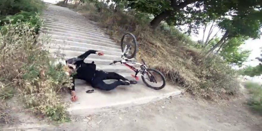 Büyükçekmece'de merdivenlerden bisikletle inmek isteyen genç  takla attı