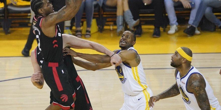NBA'de Toronto, Warriors karşısında 2-1 öne geçti