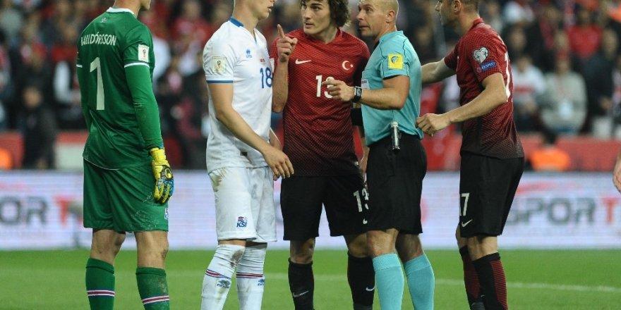 Türkiye - İzlanda maçını Szymon Marciniak yönetecek