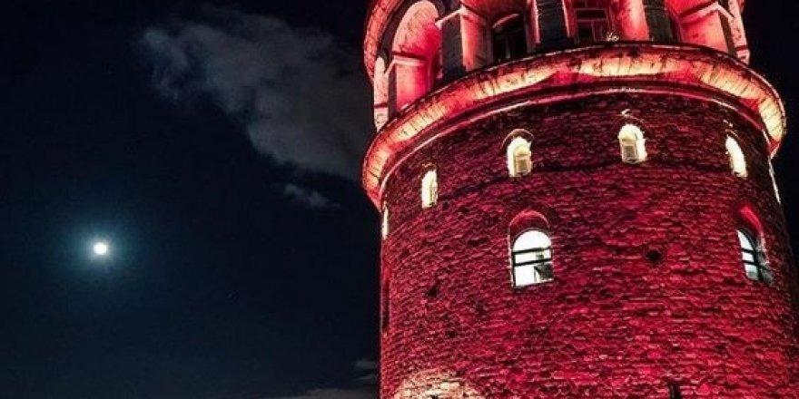 Türkiye İzlanda maçı öncesi İstanbul'da her yer kırmızı beyaza bürünecek