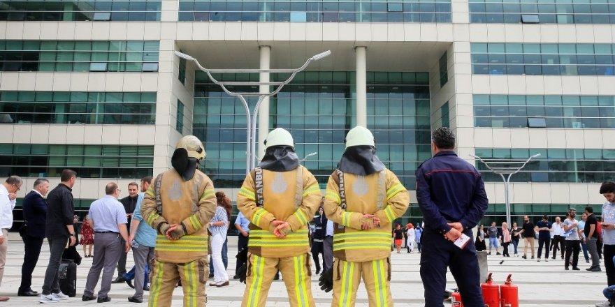 Sultangazi Belediyesinde yangın tatbikatı