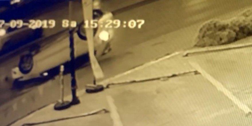 Avcılar'da E-5'de takla atan otomobil kamerada