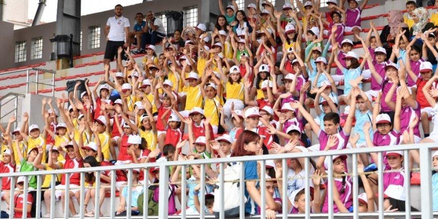 Fatih'te 3 bin 17 çocuk yaz okullarında