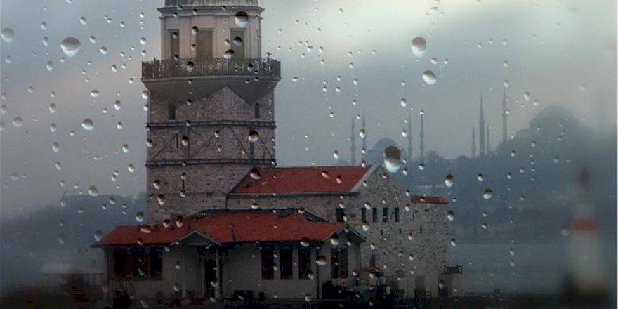 İSTANBUL'DA ŞİDDETLİ YAĞIŞ AKŞAM SAATLERİNDE ETKİSİNİ KAYBEDECEK