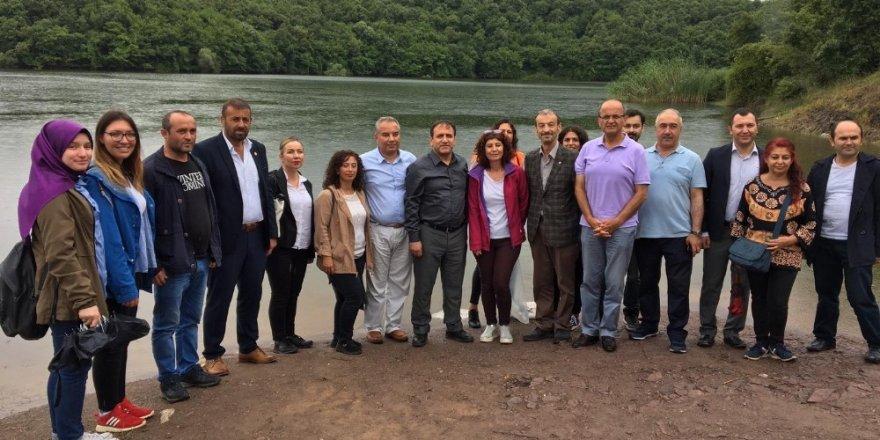 Beykoz'da iki gölete binlerce yavru sazan bırakıldı