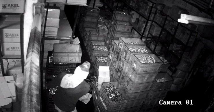 İstanbul'da tam 3 dakikada 60 bin TL değerinde hırsızlık