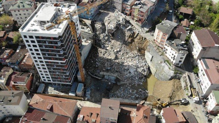 Kağıthane'deki yıkılan binaların enkazı havadan görüntülendi